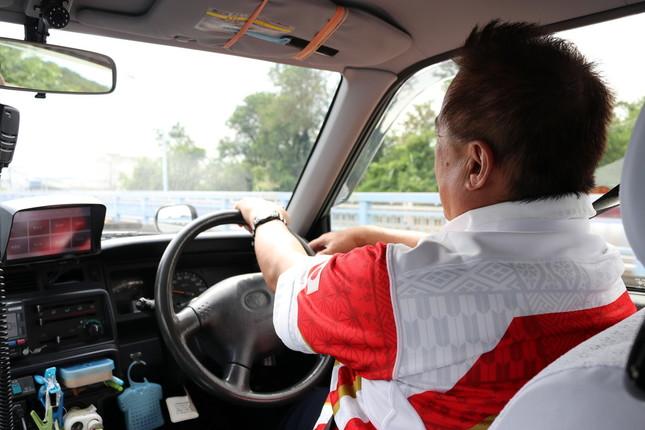 熊谷駅周辺のタクシー会社は、試合前後の3日間「日本代表ジャージ」着用が必須