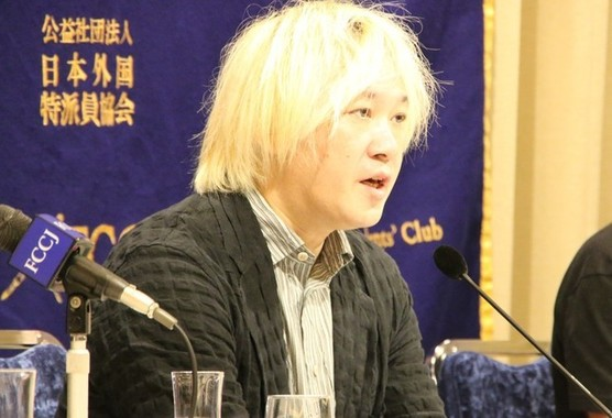 報告書では津田氏を「最大の原因」とした(画像は9月2日の会見)