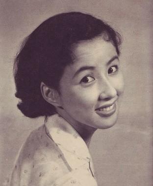 (Wikimedia Commonsより、『アサヒグラフ別冊 秋の特大号 映画と演芸』朝日新聞社、1955年、p.61)