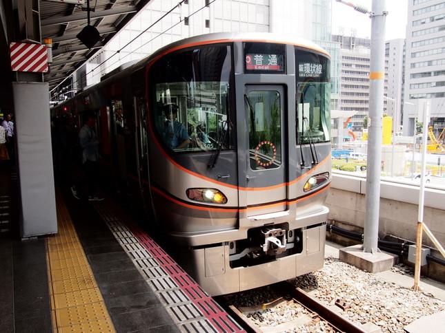 JR大阪環状線を走る323系