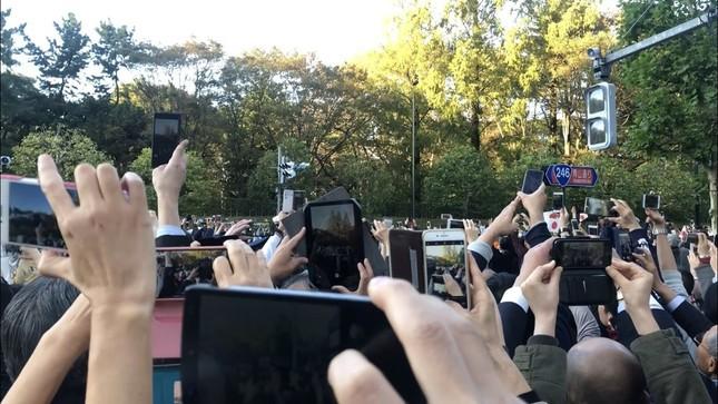 パレード当日の青山通り(2019年11月10日編集部撮影)