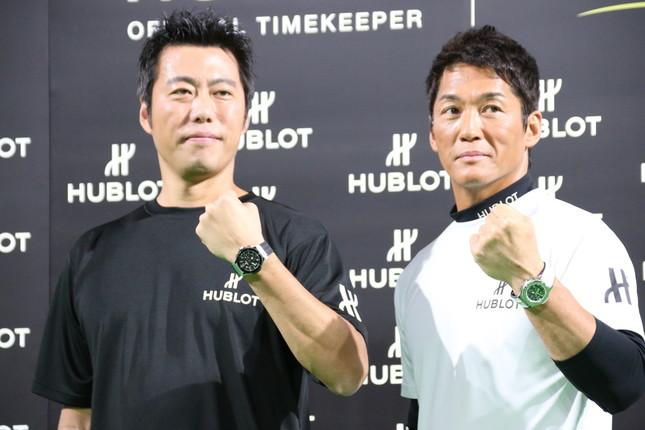 「ウブロ×プレミア12 チャリティーイベント」に出演した上原浩治氏(左)と長嶋一茂氏(右)