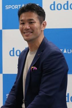 観客の質問に笑顔で応える廣瀬氏(2019年11月13日撮影)