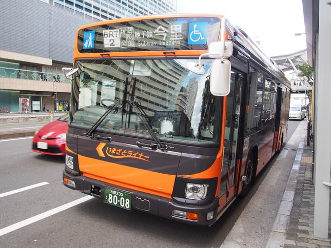 大阪市内を走るいまざとライナー