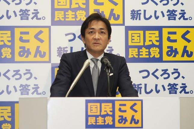 定例記者会見に臨む国民民主党の玉木雄一郎代表