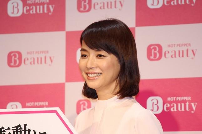 石田ゆり子さん。今年の漢字は「筋」