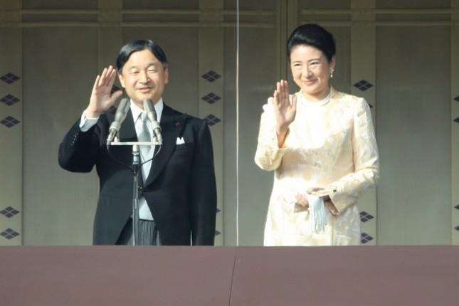 天皇皇后両陛下。令和になって初めての新年一般参賀だ