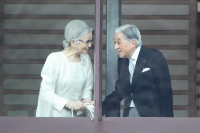 午前中の3回は上皇ご夫妻も姿を見せた