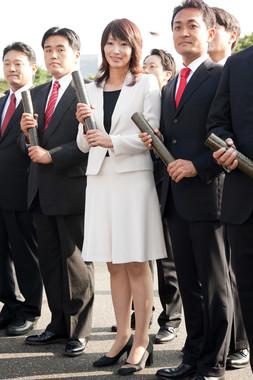 2009年、衆院初当選時の三宅雪子さん。右は同期の玉木雄一郎・現国民民主党代表(写真:アフロ)