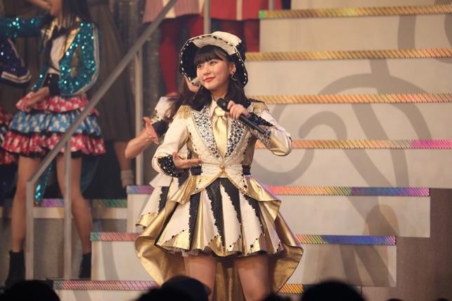 各グループのシングル表題曲で最も順位が高かったのが「恋するフォーチュンクッキー」の11位だった。田中美久さんが指原莉乃さんの衣装を着てセンターを務めた