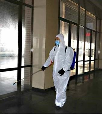 国境近くの新義州青年駅でも消毒作業が進められた(写真は労働新聞ウェブサイトから)