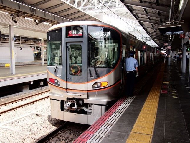 大阪環状線で活躍する323系