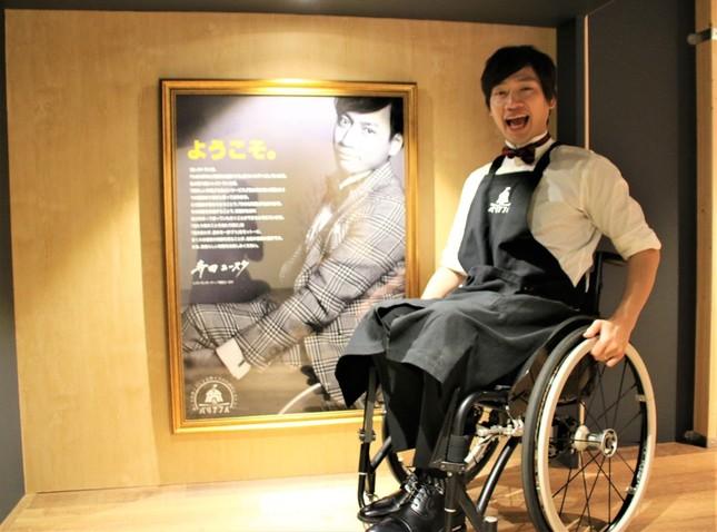 寺田ユースケさんが取材に応じた