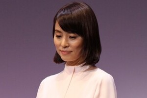 「マスコミの皆さんみずから国民をパニックにしないで」 石田ゆり子がインスタで提言