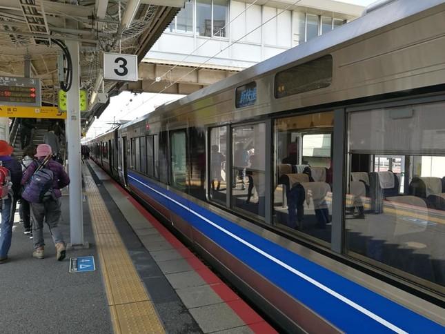 JR西日本の有料座席車両、新快速「Aシート」