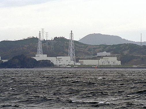 女川原発(nekosuki600さん撮影、Wikimedia Commonsより)。再稼働の行方は