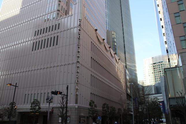 3月10日より公演を再開する東京宝塚劇場