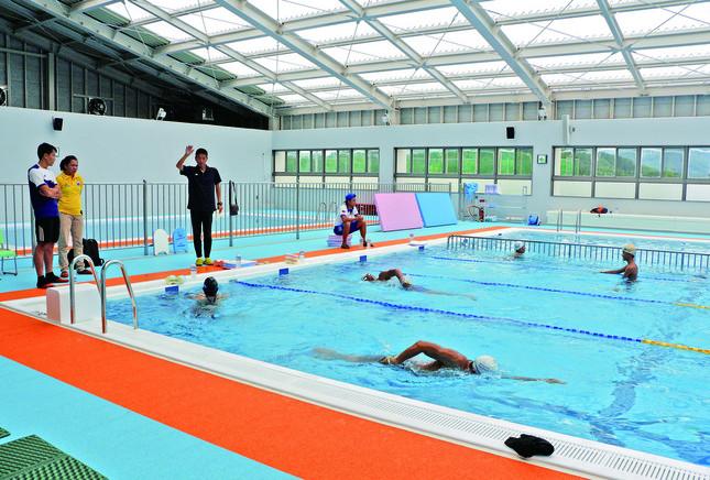 ラオスのパラ水泳選手が飯舘村で合宿を行った(画像提供:飯舘村役場)