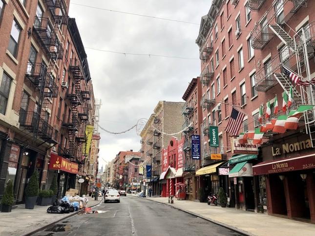 ゴーストタウンと化したマンハッタンは、まるで映画を見ているようだ(2020年3月17日、リトルイタリーで筆者撮影)