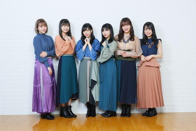 2019年に卒業した指原莉乃さんへの思いを語ってもらった。左から村重杏奈さん、松岡はなさん、運上弘菜さん、田中美久さん、田島芽瑠さん、渡部愛加里さん (c)Mercury