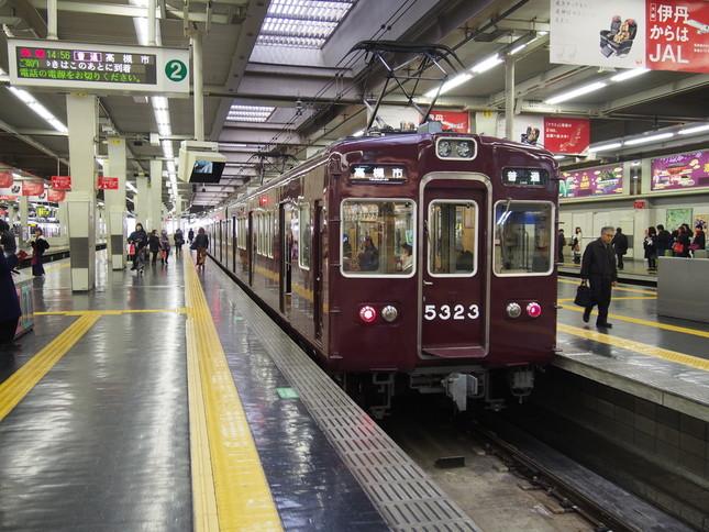開業当初から一段下降窓を採用した阪急電鉄