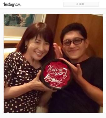 薬丸さんのインスタグラムに投稿された岡江さんの誕生日写真(2019年)