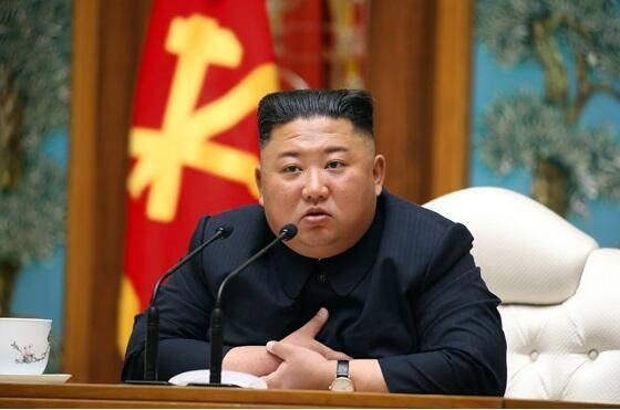 最後に金正恩氏の動静が写真付きで報じられたのは4月12日だった(写真は労働新聞から)