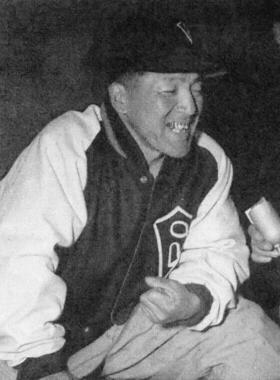 1950年の松竹で4番打者を務めた岩本義行(画像は56年)。トリプルスリーを初めて達成した
