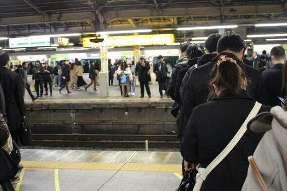 新型コロナは満員電車という「風物詩」を変えるか