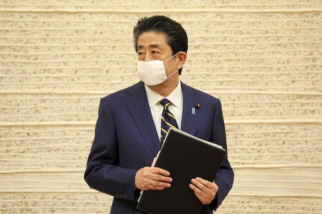 安倍晋三首相(4月7日撮影)