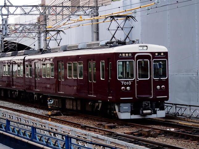 (阪急神戸本線の電車)