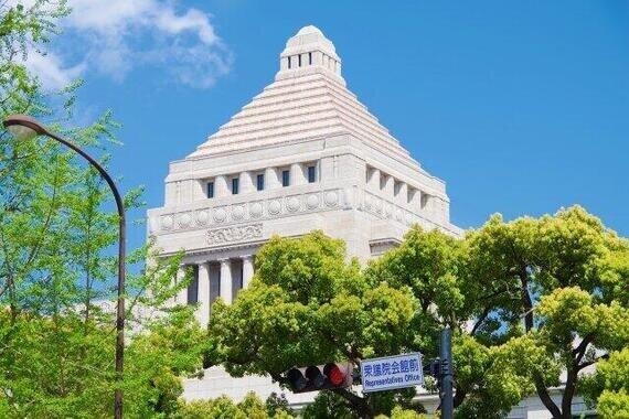 通常国会は6月17日に会期末を迎える。