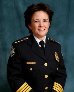 警官による黒人銃殺事件の翌日に辞任したエリカ・シールズ警察本部長。警察改革にも積極的に取り組んでいた(アトランタ市警のホームページから)