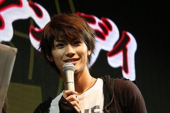 三浦春馬さん(2008年)。多くの人が悲しみをつづっている