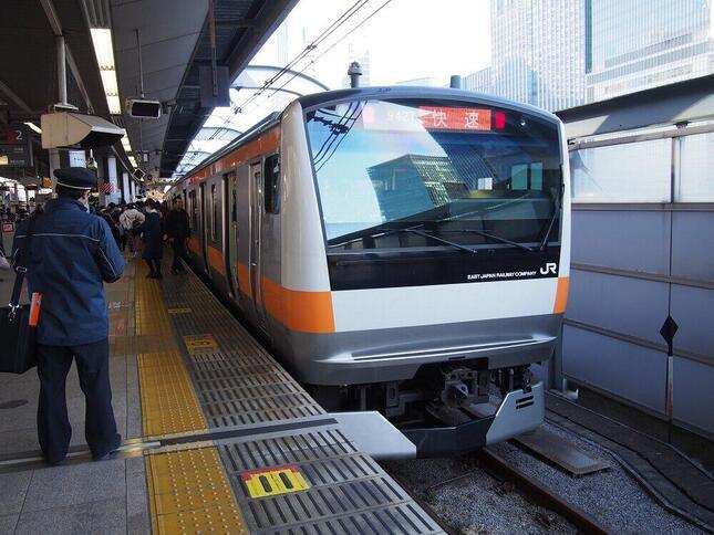 (JR東日本、中央本線の電車)