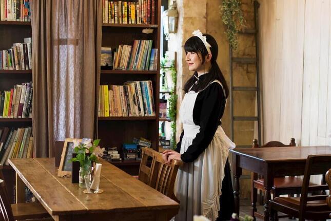 「メイドカフェ」というよりは来客とメイドが営むサロンのようだった「シャッツキステ」(提供/シャッツキステ)