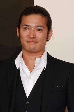 高岡蒼佑さん(写真:KCS/アフロ)