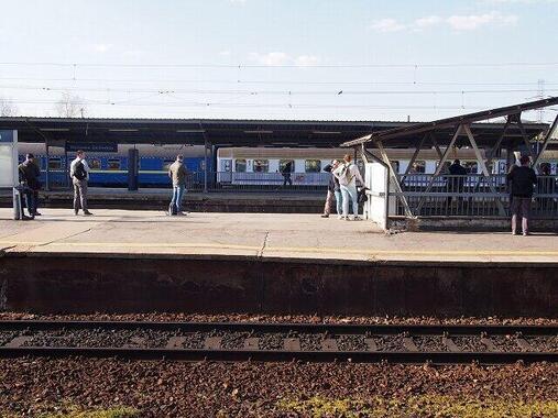 ワルシャワ西駅で発車を待つキエフ行き夜行列車