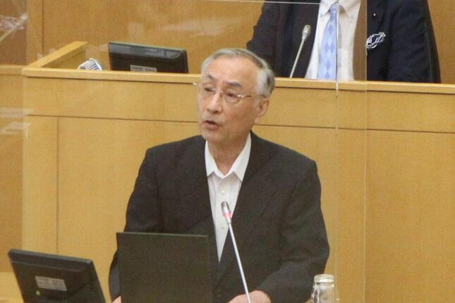 東京都千代田区議会で謝罪する石川区長(2020年8月12日午後)