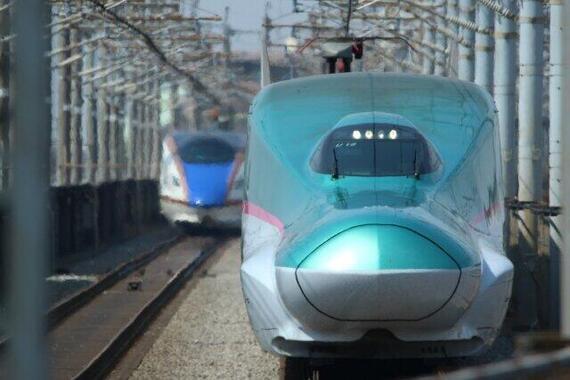 JR東日本の新幹線は「えきねっと」経由の事前予約で所定の条件を満たせば半額に