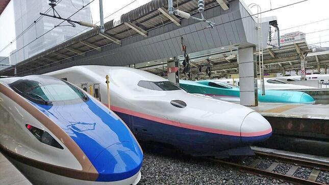 出張や観光での利用が激減し、新幹線を運行するJR各社は減収幅が大きかった