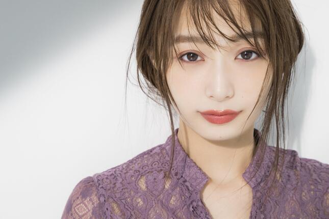 プロのへア&メイクアップアーティストたちが宇垣アナを「変身」させた姿を披露するという