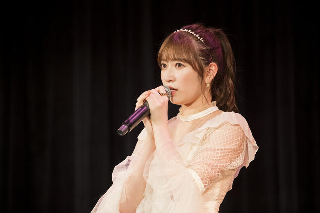 グループからの卒業を発表するNMB48の吉田朱里さん((C)NMB48)
