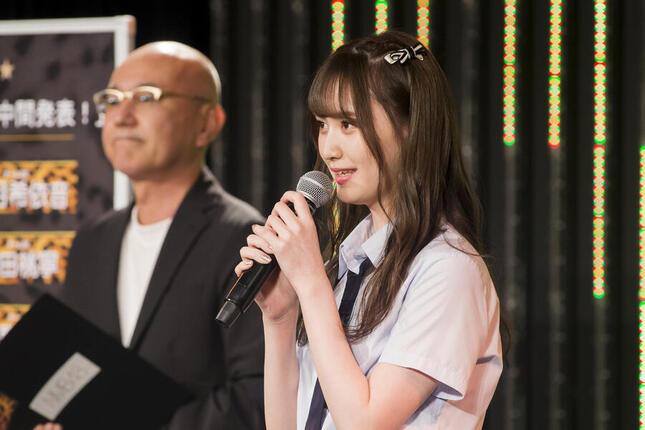 「難波鉄砲隊」投票企画の中間発表では、山本望叶(みかな)さんが暫定1位になった(c)NMB48