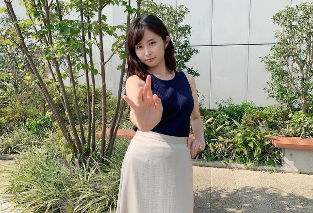 「『アイドル天気』のために今もアイドルソングを勉強中です」と語る読売テレビの佐藤佳奈アナウンサー