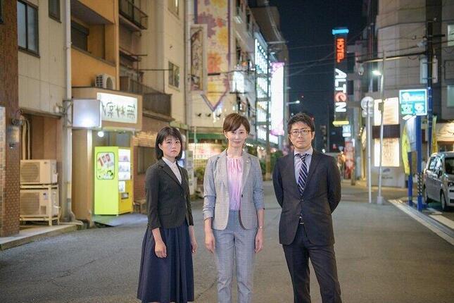 弁護団 右から井桁大介弁護士、亀石倫子弁護士、三宅千晶弁護士 撮影者:安木崇