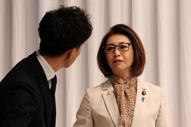 司会の三原じゅん子議員(2020年9月9日撮影)