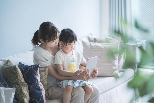 自民党総裁選では少子化対策が論戦の「ホット」な題材となっている(写真はイメージ)