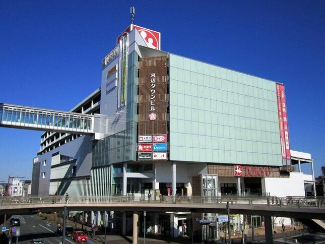 実店舗の東急と、オンラインの楽天の強みをそれぞれ生かせるか(Suikoteiさん撮影、Wikimedia Commonsより)