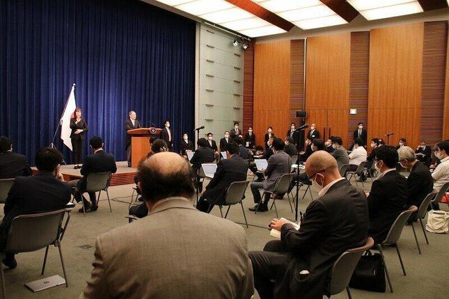 菅義偉首相の記者会見で質問したのは5人だった